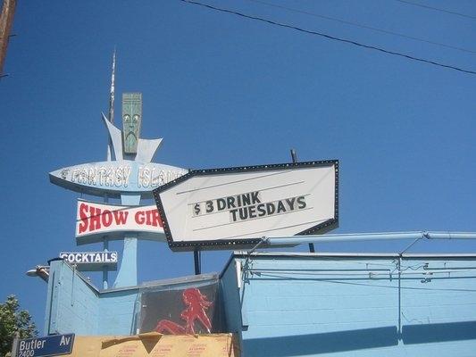 Medium Bare: Strip Club Cuisine