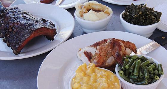 Zeke's BBQ - Photo by Mar Yvette
