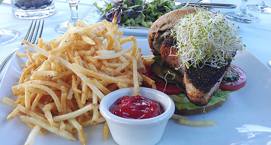 The Raymond's ahi burger - Photo by Mar Yvette