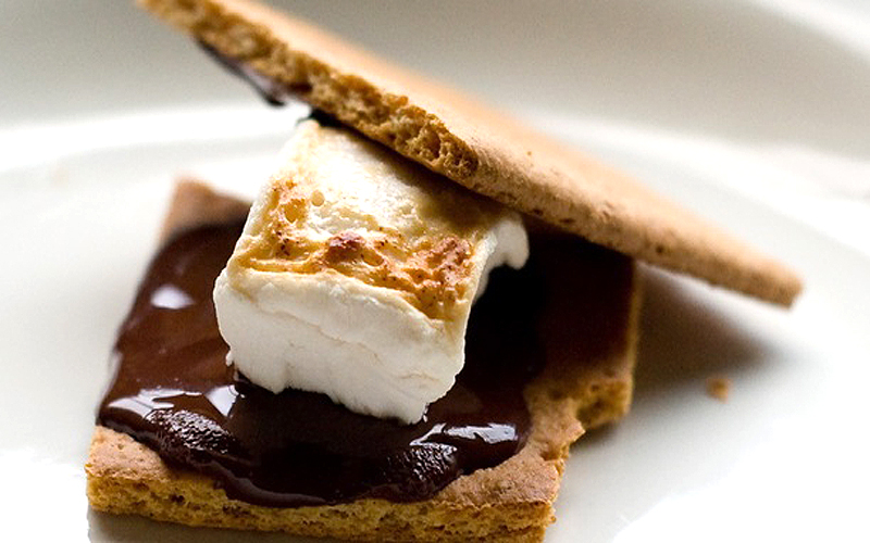 How's about a vegan s'more?!