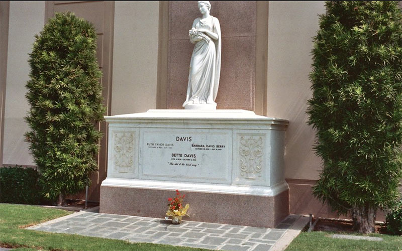 Bette Davis grave - Photo by Alan Light via Flickr